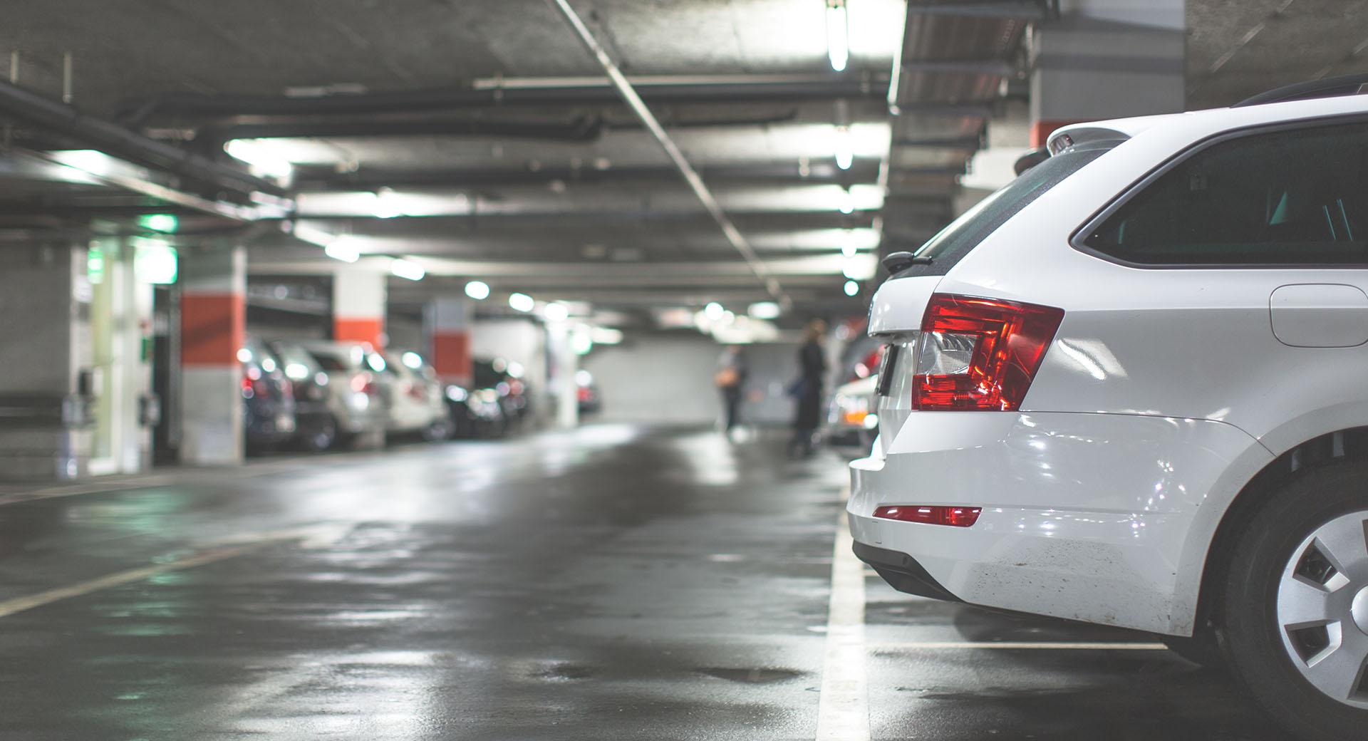 Centro de Negocios con Parking propio